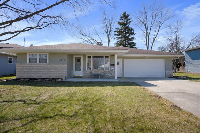 5079 Bigelow Drive, Hilliard, OH 43026 (MLS #221006336) :: The Holden Agency