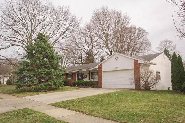 219 E Sanbridge Circle, Worthington, OH 43085 (MLS #221007798) :: Greg & Desiree Goodrich | Brokered by Exp
