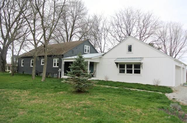 108 Stone Creek Drive, Granville, OH 43023 (MLS #221009596) :: The Raines Group