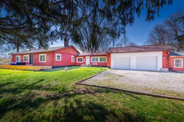 1097 Montgomery Road NE, Newark, OH 43055 (MLS #221009835) :: Greg & Desiree Goodrich | Brokered by Exp