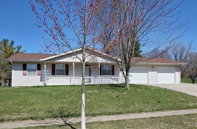 501 Heritage Drive, Bellefontaine, OH 43311 (MLS #221009964) :: Greg & Desiree Goodrich | Brokered by Exp