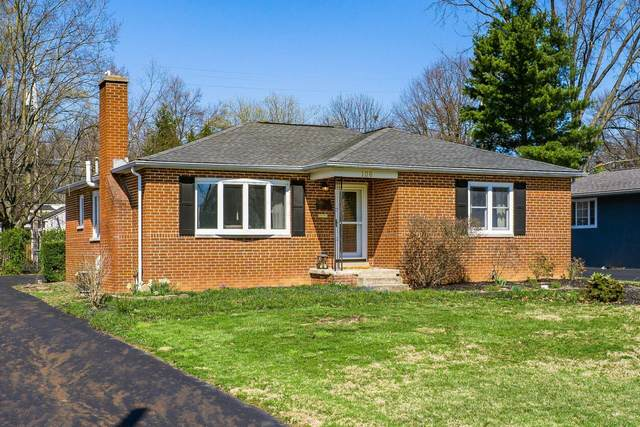 106 Desantis Drive, Columbus, OH 43214 (MLS #221010529) :: The Willcut Group