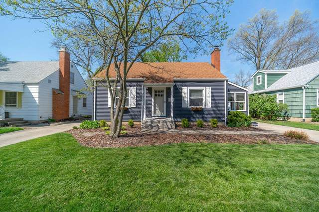 370 E Beaumont Road, Columbus, OH 43214 (MLS #221011283) :: The Holden Agency