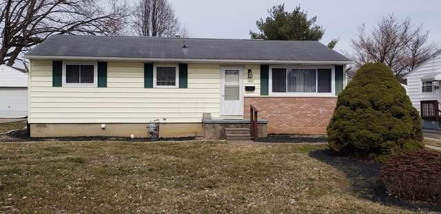 1421 Zimmer Street, Lancaster, OH 43130 (MLS #221011284) :: The Willcut Group