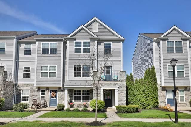 1429 Bloomington Boulevard, Columbus, OH 43228 (MLS #221013403) :: Jamie Maze Real Estate Group