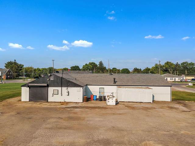 2880 S High Street, Columbus, OH 43207 (MLS #221013543) :: Jamie Maze Real Estate Group
