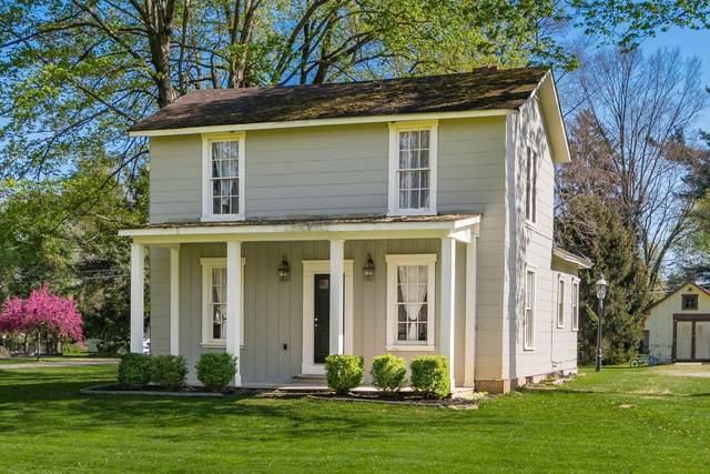 1014 Newark Granville Road, Granville, OH 43023 (MLS #221013566) :: The Tobias Real Estate Group