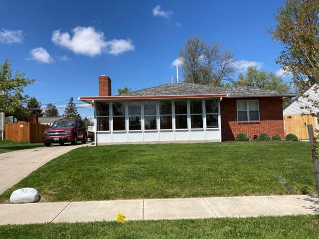 3250 Angela Drive, Grove City, OH 43123 (MLS #221013945) :: Exp Realty