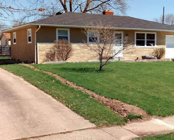 1506 Sandalwood Place, Columbus, OH 43229 (MLS #221014476) :: Jamie Maze Real Estate Group