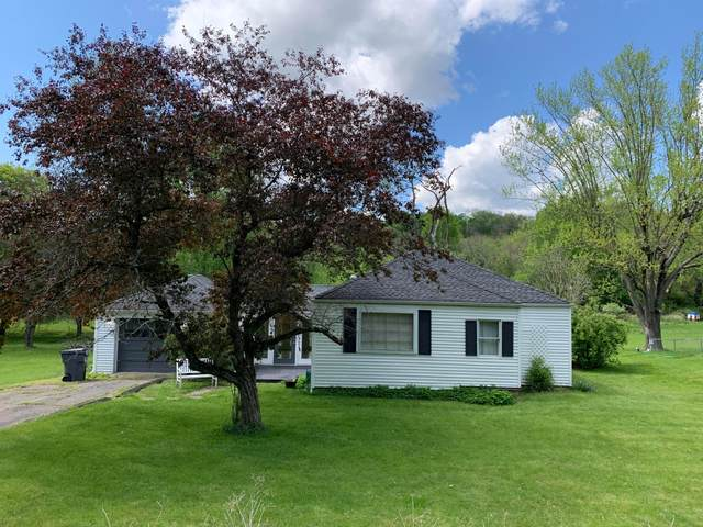 547 Welsh Hills Road, Granville, OH 43023 (MLS #221015230) :: Signature Real Estate