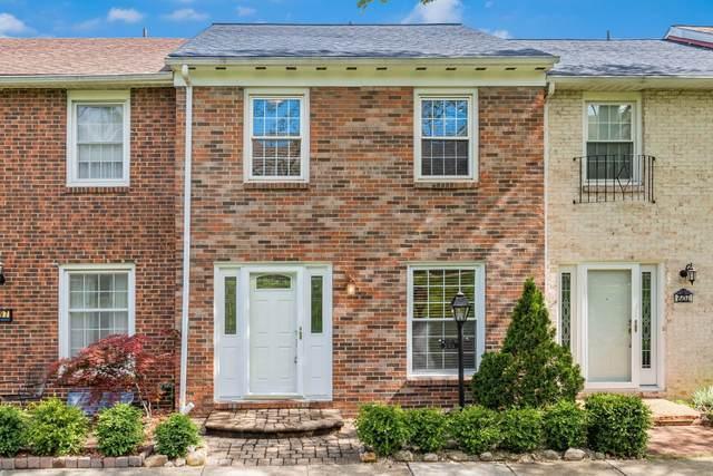 599 Dlyn Street, Columbus, OH 43228 (MLS #221015358) :: The Tobias Real Estate Group