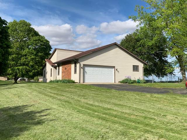 2604 W Choctaw Drive, London, OH 43140 (MLS #221015483) :: The Raines Group