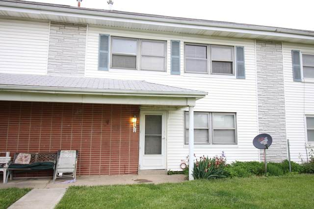 151 Buckeye Circle B151, Columbus, OH 43217 (MLS #221015773) :: The Jeff and Neal Team   Nth Degree Realty