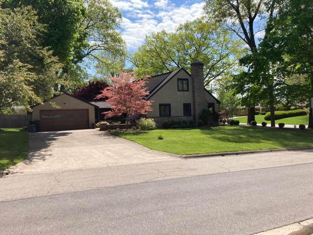 686 E Cooke Road, Columbus, OH 43214 (MLS #221016335) :: Susanne Casey & Associates
