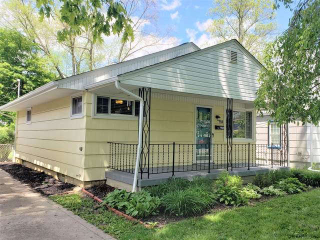 552 Chase Road, Columbus, OH 43214 (MLS #221016347) :: Susanne Casey & Associates
