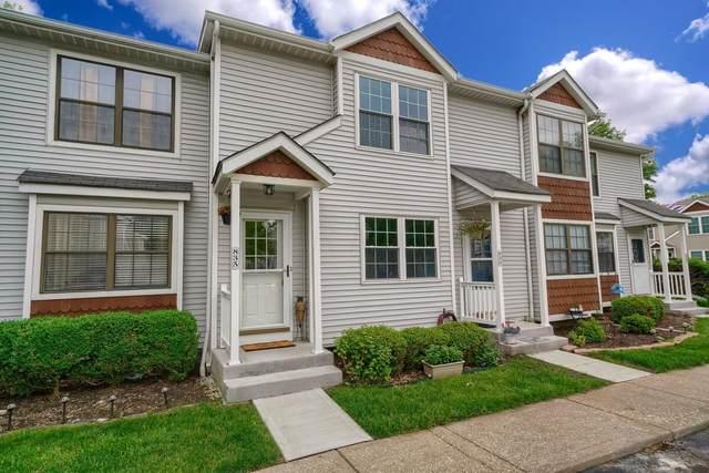 835 Stalywood Court 40B, Worthington, OH 43085 (MLS #221019555) :: The Tobias Real Estate Group