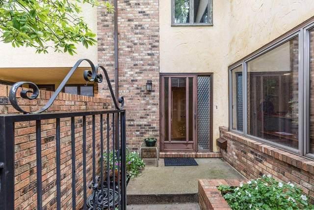 2426 Sherwood Villa, Upper Arlington, OH 43221 (MLS #221020486) :: 3 Degrees Realty