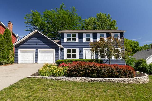 3038 White Bark Place, Columbus, OH 43221 (MLS #221021651) :: Berkshire Hathaway HomeServices Crager Tobin Real Estate