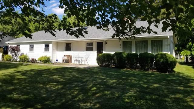 834 E Village Drive, Newark, OH 43055 (MLS #221022442) :: Ackermann Team