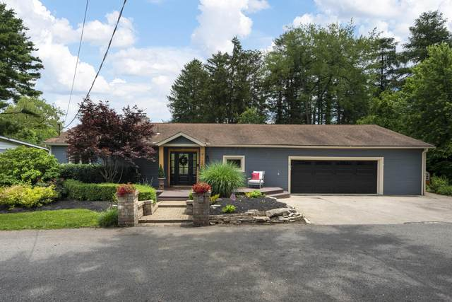 9120 Shawnee Trail, Powell, OH 43065 (MLS #221024373) :: The Raines Group