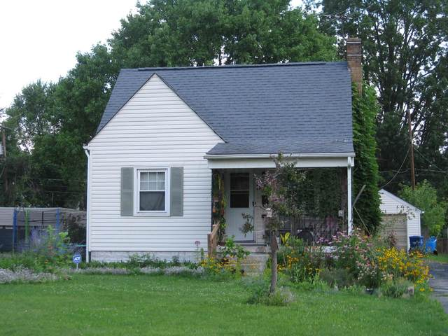 1734 E Lakeview Avenue, Columbus, OH 43224 (MLS #221026212) :: CARLETON REALTY