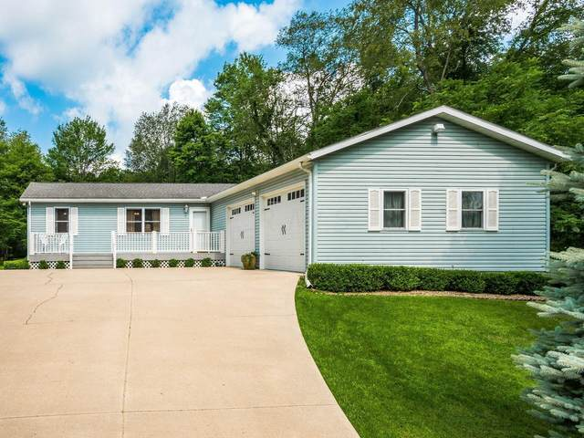 884 Highland Hills Drive, Howard, OH 43028 (MLS #221026406) :: The Raines Group