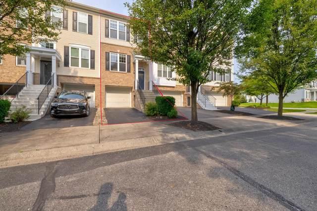 339 Hanton Way, Columbus, OH 43213 (MLS #221026524) :: Berkshire Hathaway HomeServices Crager Tobin Real Estate
