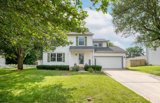3833 Carriage Run Drive, Hilliard, OH 43026 (MLS #221026659) :: Berkshire Hathaway HomeServices Crager Tobin Real Estate