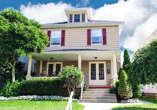 934 Forest Avenue, Zanesville, OH 43701 (MLS #221026704) :: Core Ohio Realty Advisors