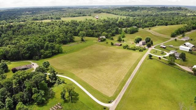 1475 Peach Lane, Norwich, OH 43767 (MLS #221026914) :: Signature Real Estate
