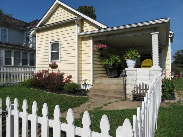 228 N Cedar Street, Newark, OH 43055 (MLS #221028166) :: Core Ohio Realty Advisors
