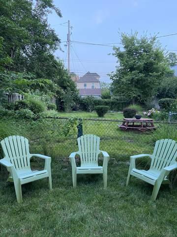 585 Bradley Street, Columbus, OH 43201 (MLS #221028295) :: Berkshire Hathaway HomeServices Crager Tobin Real Estate