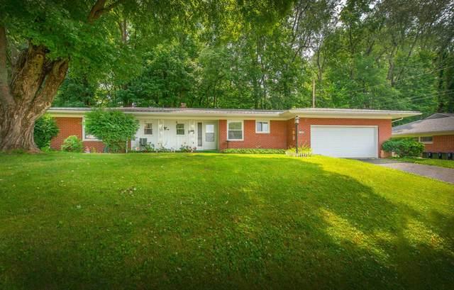 1206 E Chestnut Street, Mount Vernon, OH 43050 (MLS #221028573) :: The Raines Group