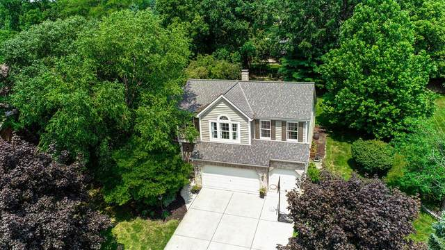 5035 Saint Andrews Drive, Westerville, OH 43082 (MLS #221028861) :: Greg & Desiree Goodrich | Brokered by Exp