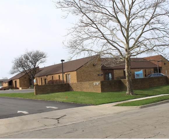 5797 Beechcroft Road B, Columbus, OH 43229 (MLS #221030928) :: Bella Realty Group