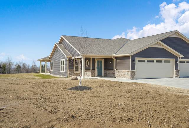 122 Willows End, Bellefontaine, OH 43311 (MLS #221033494) :: Bella Realty Group