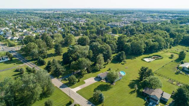 6915 Harlem Road, Westerville, OH 43081 (MLS #221036793) :: The Gale Group
