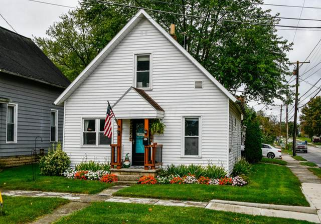 233 N Court Street, Marysville, OH 43040 (MLS #221037743) :: ERA Real Solutions Realty