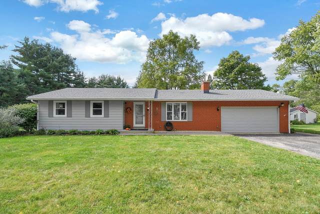 12075 Roesta Lane NW, Baltimore, OH 43105 (MLS #221038112) :: Berkshire Hathaway HomeServices Crager Tobin Real Estate