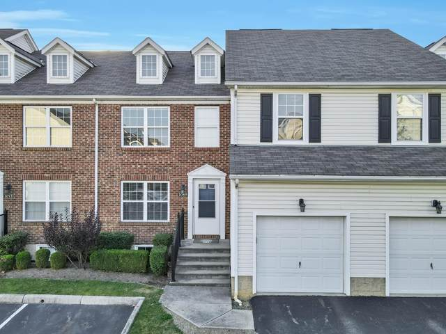 1089 Green Knoll Drive, Westerville, OH 43081 (MLS #221038447) :: Greg & Desiree Goodrich | Brokered by Exp
