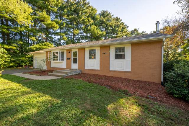 2740 S Lawndale Place, Zanesville, OH 43701 (MLS #221038808) :: RE/MAX ONE