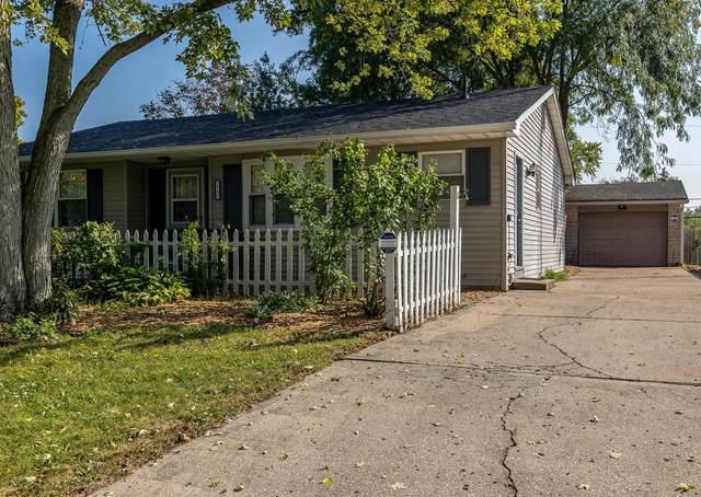 5748 N Meadows Boulevard, Columbus, OH 43229 (MLS #221039569) :: Greg & Desiree Goodrich | Brokered by Exp
