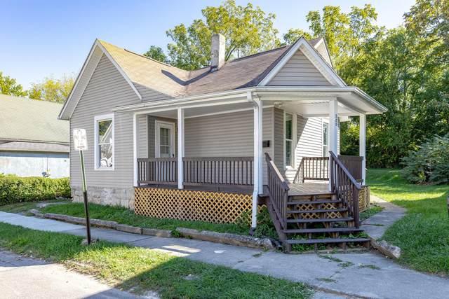 320 N Elm Street, Bellefontaine, OH 43311 (MLS #221039936) :: Berkshire Hathaway HomeServices Crager Tobin Real Estate