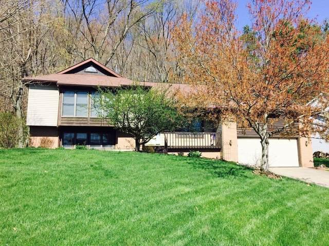 1246 Pineview Trail, Newark, OH 43055 (MLS #221041169) :: Greg & Desiree Goodrich | Brokered by Exp