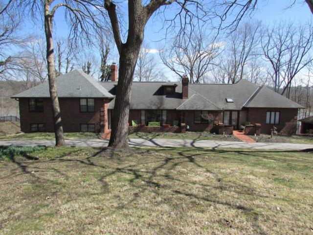 5240 Locust Hill Lane, Dublin, OH 43017 (MLS #218008022) :: Berkshire Hathaway Home Services Crager Tobin Real Estate