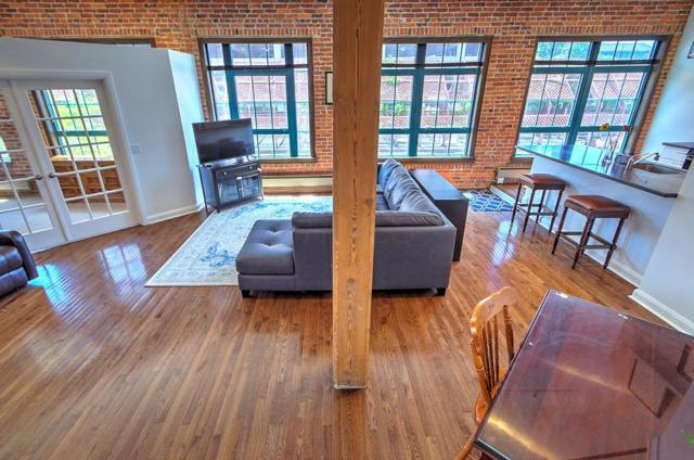 444 S Front Street 2E, Columbus, OH 43215 (MLS #218019843) :: Berkshire Hathaway HomeServices Crager Tobin Real Estate