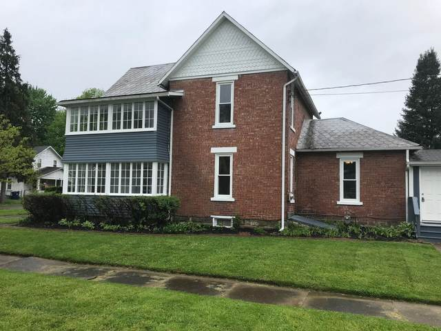801 W Sugar Street, Mount Vernon, OH 43050 (MLS #220015781) :: The Holden Agency