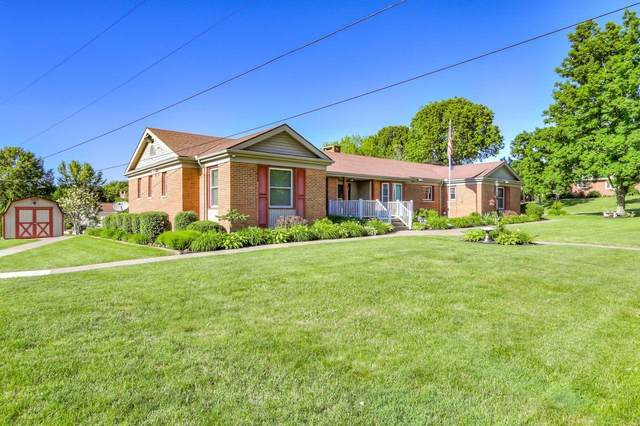 1660 Knob Hill Drive, Coshocton, OH 43812 (MLS #220018389) :: The Raines Group