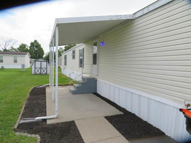 1100 Thornwood Drive #76, Heath, OH 43056 (MLS #220029121) :: Susanne Casey & Associates