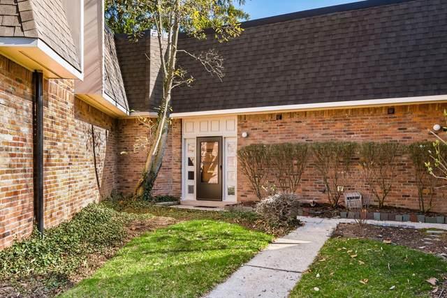 1477 Lafayette Drive, Columbus, OH 43220 (MLS #221007997) :: Greg & Desiree Goodrich   Brokered by Exp